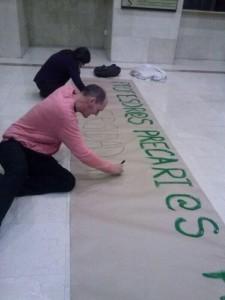 Profesores universitarios se encierran en el rectorado como protesta por la situación